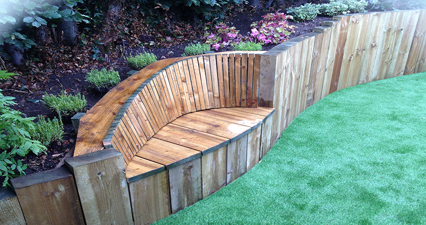 Built in garden seat to relax and enjoy your garden. Ightham, Kent