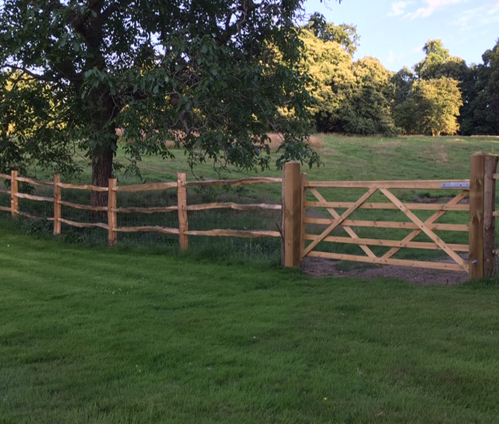 Chestnut post & rail fencing with field gate Seal Chart Kent
