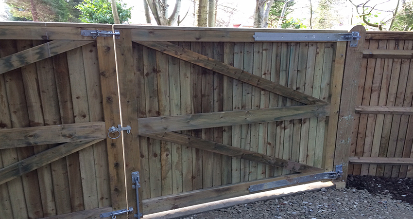Heavy framed close board driveway gates with galvanised fixing and fixtures. Bitchet Green, Kent