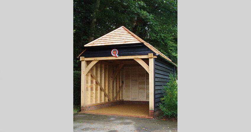 Oak framed timber cladded garage. Seal Chart, Sevenoaks, Kent