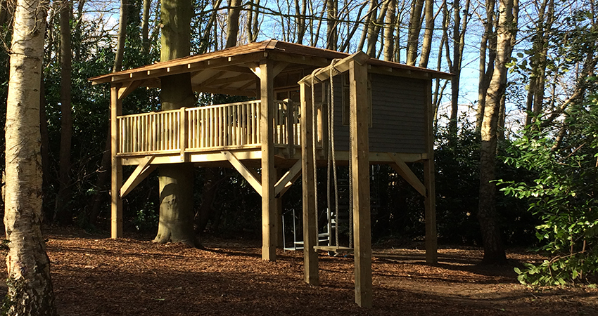 Tree House with free staning rope swing. Alyesford, Kent